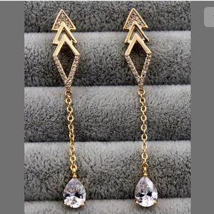 Jewelry - 🍭2/$20....18K Gold Filled Topaz Drop Earrings🍭